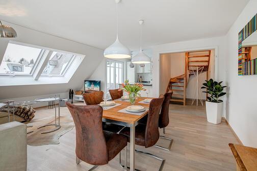 3 5 zimmer maisonettewohnung m bliert parkettboden m nchen obermenzing 10259. Black Bedroom Furniture Sets. Home Design Ideas