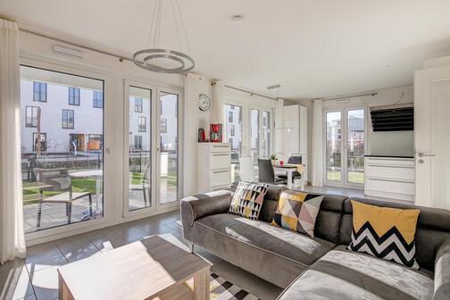 2 5 zimmer wohnung m bliert parkettboden m nchen altperlach 10352. Black Bedroom Furniture Sets. Home Design Ideas