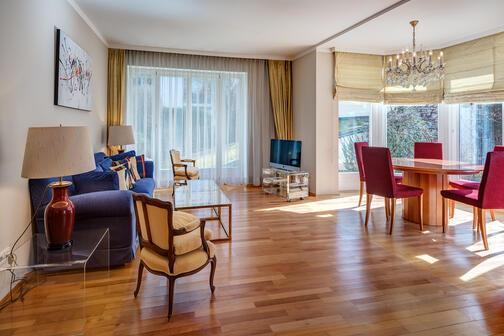 4 zimmer wohnung m bliert parkettboden m nchen nymphenburg gern 10959. Black Bedroom Furniture Sets. Home Design Ideas