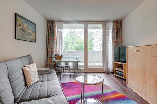 1 zimmer apartment m bliert balkon m nchen au haidhausen 1178. Black Bedroom Furniture Sets. Home Design Ideas