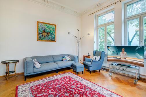 4 5 zimmer wohnung m bliert gro er flachbildfernseher. Black Bedroom Furniture Sets. Home Design Ideas