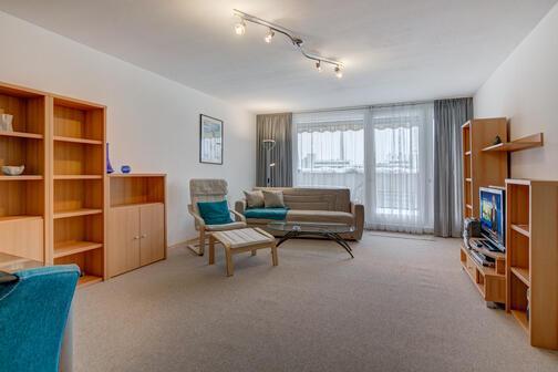 2 zimmer wohnung m bliert waschmaschine in der wohnung m nchen olympiadorf 3333. Black Bedroom Furniture Sets. Home Design Ideas