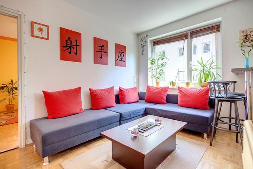 2 zimmer wohnung m bliert waschmaschine in der wohnung m nchen laim 6854. Black Bedroom Furniture Sets. Home Design Ideas