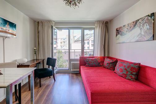 1 zimmer wohnung m bliert internet flatrate m nchen maxvorstadt 7238. Black Bedroom Furniture Sets. Home Design Ideas