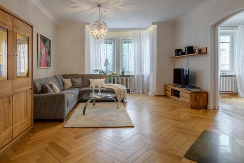 4 5 zimmer wohnung m bliert waschmaschine in der wohnung m nchen maxvorstadt 7749. Black Bedroom Furniture Sets. Home Design Ideas