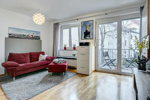 2 zimmer wohnung m bliert parkettboden m nchen giesing 8397. Black Bedroom Furniture Sets. Home Design Ideas