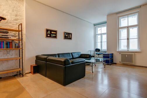 2 5 zimmer wohnung m bliert parkettboden m nchen maxvorstadt 892. Black Bedroom Furniture Sets. Home Design Ideas