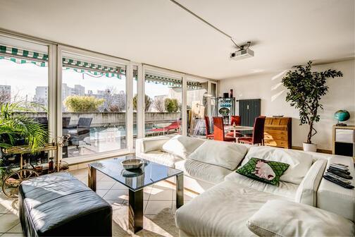 3 zimmer wohnung m bliert home cinema m nchen. Black Bedroom Furniture Sets. Home Design Ideas