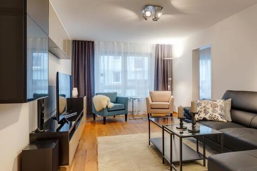 4 zimmer wohnung m bliert smart tv fernsehger t internetf hig m nchen untersendling 9825. Black Bedroom Furniture Sets. Home Design Ideas