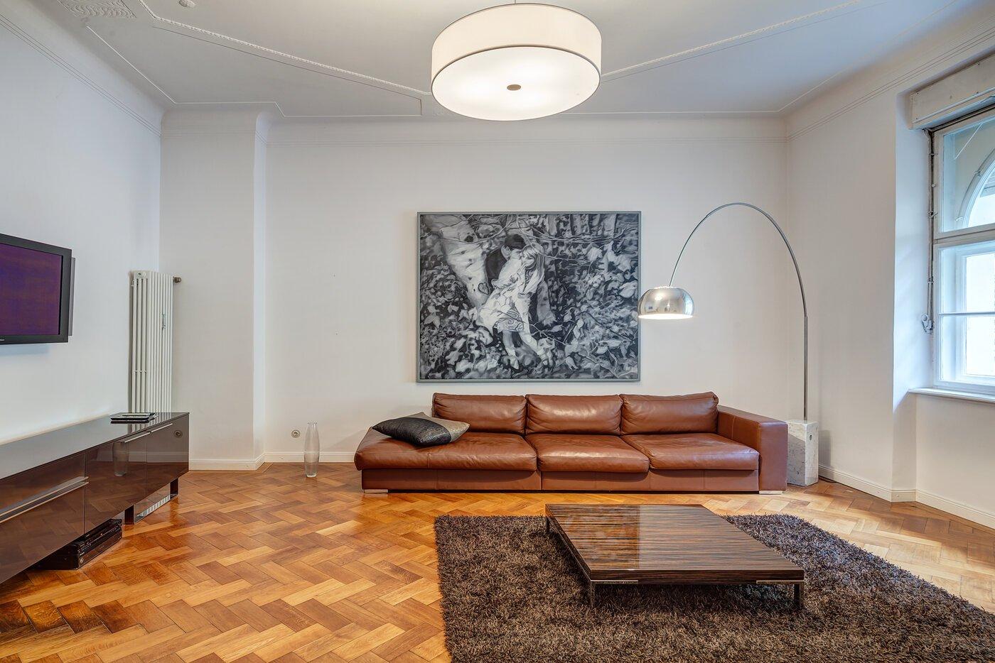 2 zimmer wohnung m bliert m nchen schwabing 10047. Black Bedroom Furniture Sets. Home Design Ideas