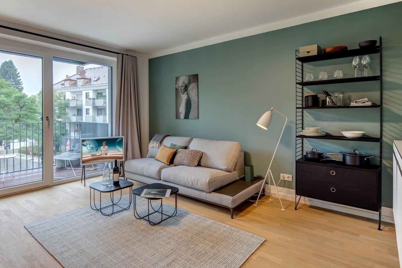 1 zimmer wohnung m bliert balkon m nchen laim 10676. Black Bedroom Furniture Sets. Home Design Ideas