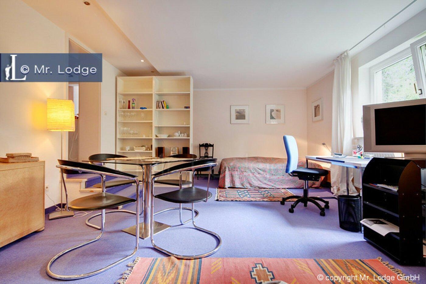1 zimmer souterrainwohnung m bliert m nchen obermenzing 1084. Black Bedroom Furniture Sets. Home Design Ideas
