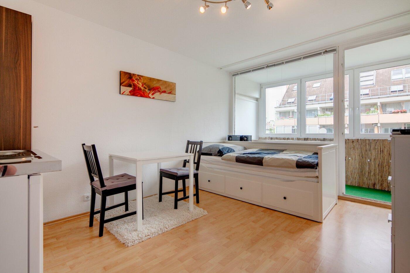 1 zimmer apartment m bliert loggia m nchen neuhausen for 1 zimmer wohnung in munchen