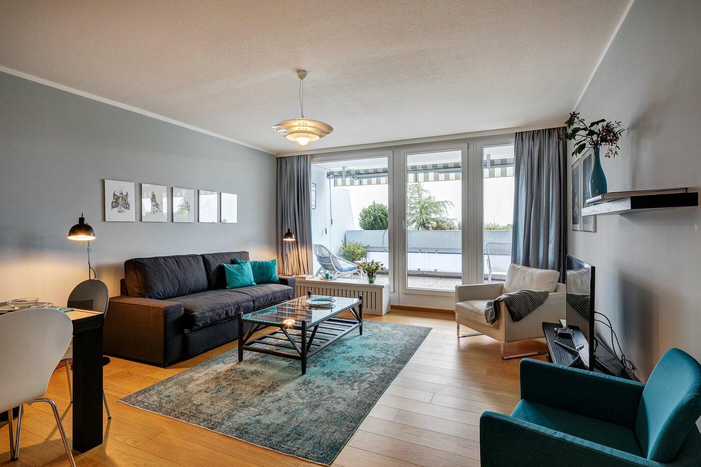 2 zimmer wohnung m bliert bad mit badewanne m nchen olympiadorf 7900. Black Bedroom Furniture Sets. Home Design Ideas