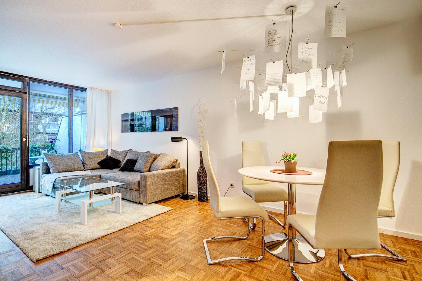 2 zimmer wohnung m bliert parkettboden m nchen schwabing 8286. Black Bedroom Furniture Sets. Home Design Ideas