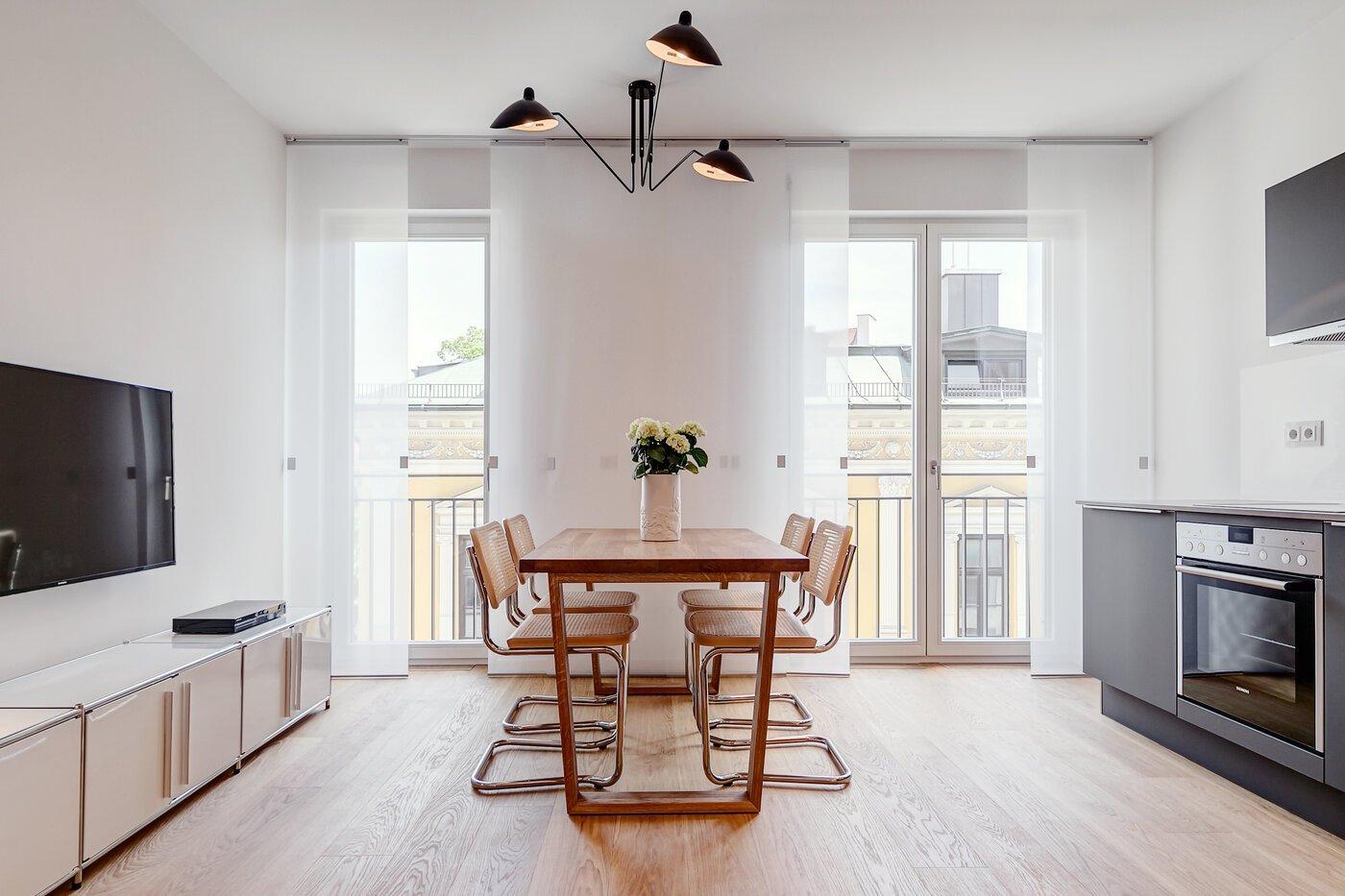 2 zimmer wohnung m bliert parkettboden m nchen schwabing 9521. Black Bedroom Furniture Sets. Home Design Ideas